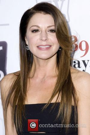 Jane Leeves Stars In Hot In Cleveland Season Premiere
