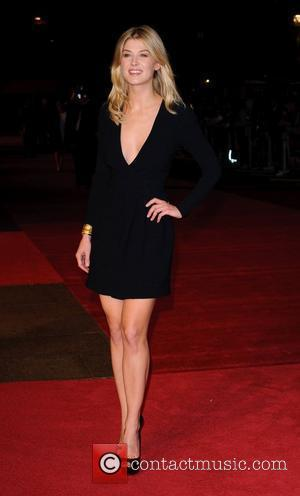 Rosamund Pike BFI London Film Festival closing night gala: European Premiere of '127 Hours' held at the Odeon Leicester Square...