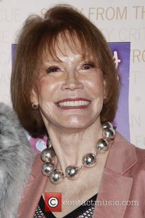Mary Tyler Moore To Reunite With Betty White After 33 Years Apart