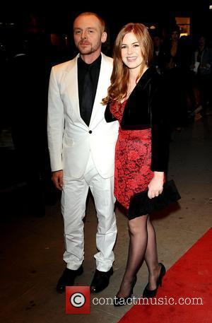 Simon Pegg and Isla Fisher