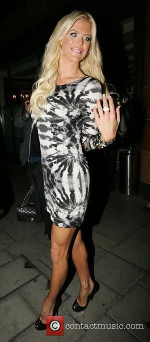 Victoria Silvstedt and Leaves