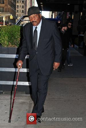 Fred Williamson outside his Manhattan Hotel New York City, USA - 08.12.10