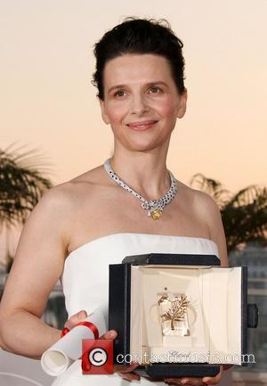 Juliette Binoche  2010 Cannes International Film Festival - Day 12 - Palme d'Or Award Photocall   Cannes, France...