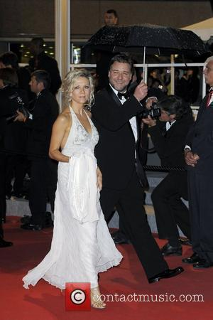 Danielle Spencer, Russell Crowe  2010 Cannes International Film Festival - Day 1 - 'Robin Hood' premiere - Departures Cannes,...