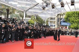 Vincent Perez 2010 Cannes International Film Festival - Day 3 - 'Wall Street: Money Never Sleep' premiere - Red Carpet...
