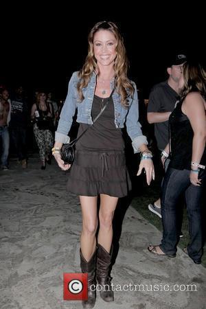 Shannon Elizabeth at the Coachella Music Festival 2010 - Day 2 Indio, California - 17.04.10