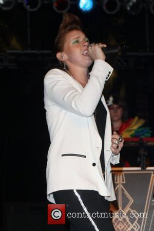 La Roux Coachella Music Festival - Performances - Day 1 Indio, California - 16.04.10