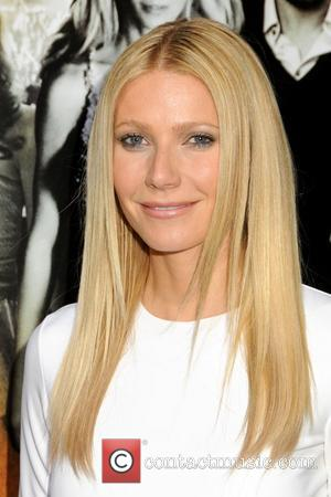 Paltrow Hates Christmas Cake