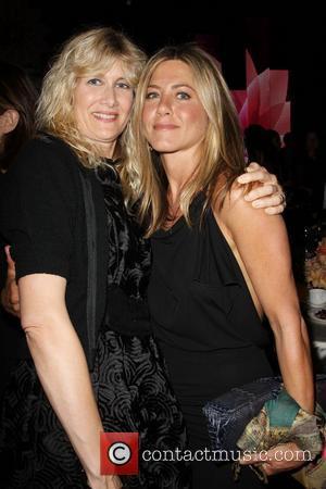 Laura Dern and Jennifer Aniston