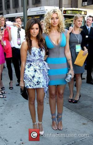 Ashley Tisdale and Alyson Michalka