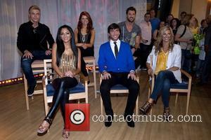 Nicole Scherzinger, Evan Lysacek and Erin Andrews (front Row)