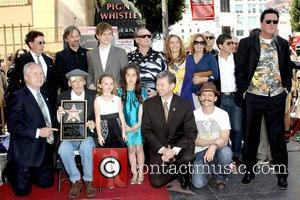 Viggo Mortensen, Jack Nicholson, Dennis Hopper and family Dennis Hopper is honored with the 2,403rd Star on the Hollywood Walk...
