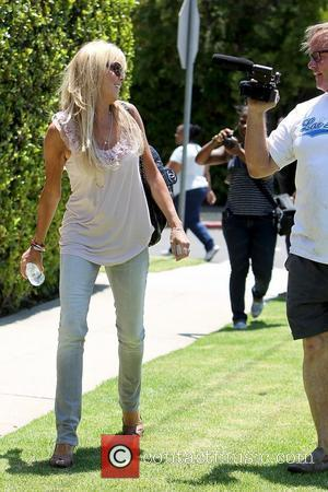 Dina Lohan outside Pickford Lofts sober living facility Los Angeles, California - 16.07.10