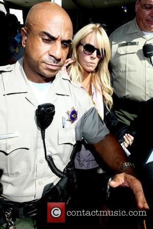 Dina Lohan, Leaves and Lindsay Lohan