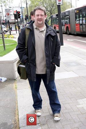 Johnny Vegas outside The Dorchester Hotel  London, England - 28.04.10