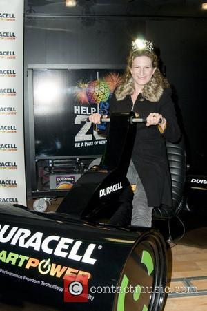 Ana Gasteyer Launch of Duracell Mobile Smart Power Lab at 46th and 8th Avenue  New York City, USA -...