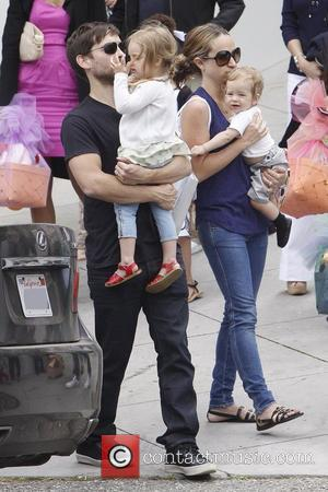 Tobey Maguire, Jennifer Meyer, Ruby Maguire and Otis Maguire