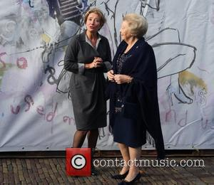 Emma Thompson, Journey and Queen Beatrix