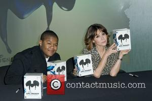 Kyle Massey, Jennifer Grey Disney launches 'Epic Mickey in Times Square, New York City.  New York, USA - 30.11.10