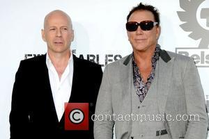 Bruce Willis and Mickey Rourke Los Angeles Premiere of 'The Expendables' held at Grauman's Chinese Theatre - Arrivals Los Angeles,...
