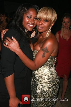 Jazmine Sullivan and Mary J. Blige
