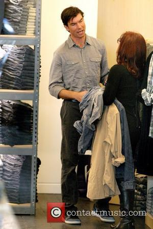 Jerry O'Connell shopping at Gap 1969 Jeans on Robertson Boulevard Los Angeles, California - 24.02.10