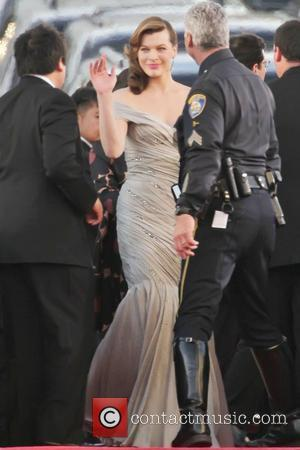 Golden Globe Awards, Milla Jovovich, Beverly Hilton Hotel