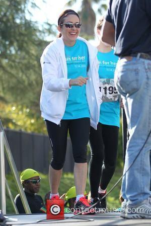 The Middle stars Patricia Heaton and Eden Sher start the runners in the Run For Her womens cancer charity run...