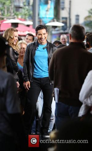 Mario Lopez and Hilary Duff