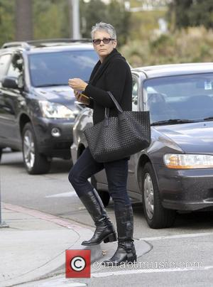 Jamie Lee Curtis out and about in Beverly Hills Beverly Hills, California - 23.11.10