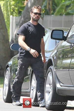 Jason Priestley out and about in Toluca Lake Los Angeles, Califonia - 30.06.10