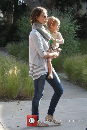Jessica Alba and Honor Marie Warren Spend The Day At A Friends House In Marina Del Rey