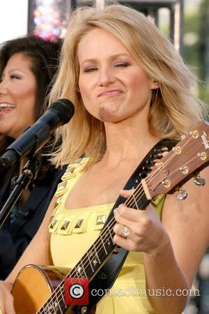 Jewel's Pain Over Fat Jibes