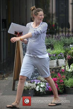 Jools Oliver doing some shopping near her home in north London London, England - 08.07.10