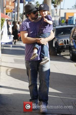 Jordan Bratman out with his son Max Los Angeles, California - 12.12.10