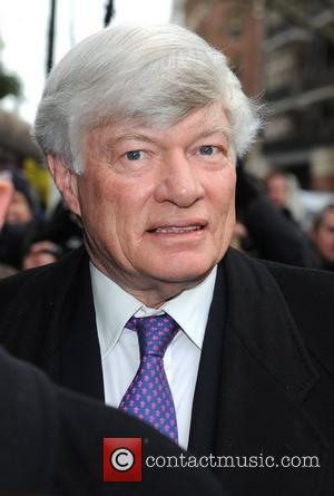 Geoffrey Robertson QC arrives at Westminster Magistrates Court for the hearing with Wikilieaks founder Julian Assange. London, England - 14.11.10