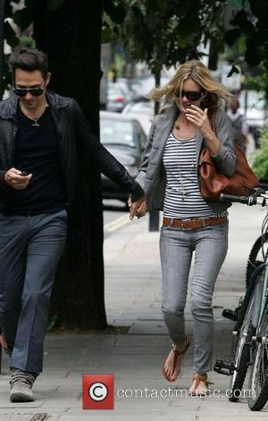 Kate Moss and Jamie Hince spotted after having lunch at a Sushi restaurant in central London. London, England - 06.07.10