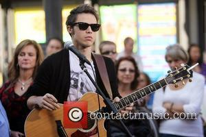 Kris Allen performs on the entertainment television news programme 'Extra' at The Grove Los Angeles, California - 17.11.10