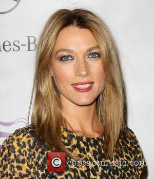Natalie Zea Opening night preview party of the LA Antique Show benefiting P.S ARTS at the Barker Hanger in Santa...