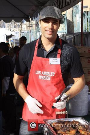 Victor Webster Christmas Eve at the Los Angeles Mission. Los Angeles, California - 24.12.09