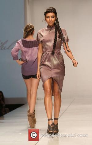 Model and Richie Sambora