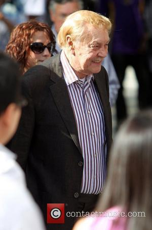 Los Angeles Lakers Owner Jerry Buss Dead
