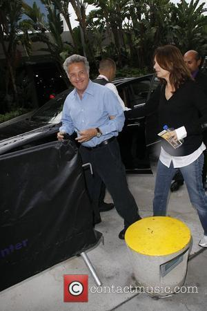 Dustin Hoffman and Lisa Gottsegen Celebrities at The Staples Center to watch the Phoenix Suns vs L.A. Lakers Game 1...