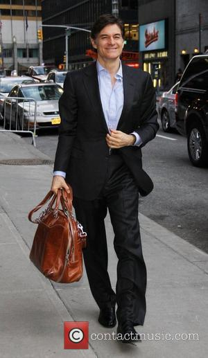 Dr. Mehmet Oz outside The Ed Sullivan Theater for 'The Late Show with David Letterman'.  New York City, USA...