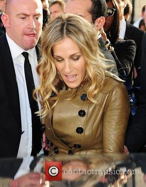 Sarah Jessica Parker London Fashion Week Spring/Summer 2011 - Burberry - Departures London, England - 21.09.10