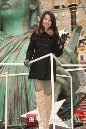 Miranda Cosgrove 84th Macy's Thanksgiving Day Parade in New York City  New York, USA - 25.11.10