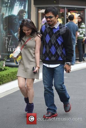 Manny Pacquiao and his wife Jinkee shop at The Grove Los Angeles, California - 07.11.10
