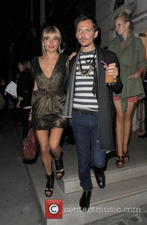 Sienna Miller and her designer pal Matthew Williamson Matthew Williamson & Belvedere Vodka Party - Departures London, England - 26.05.10