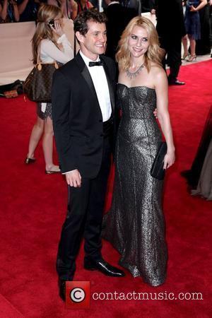Hugh Dancy and Claire Danes