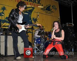 Juliette Lewis, Joe Perry